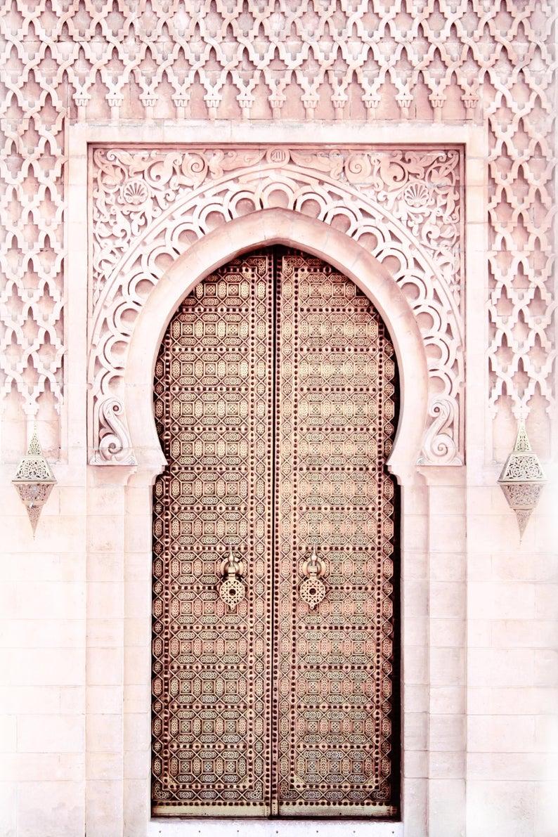 Pink Door Marrakech Wall Print Wall Art Pink Islamic Door Etsy En 2020 Tableau Decoration Murale Decor Islamique Art Mural Imprimable