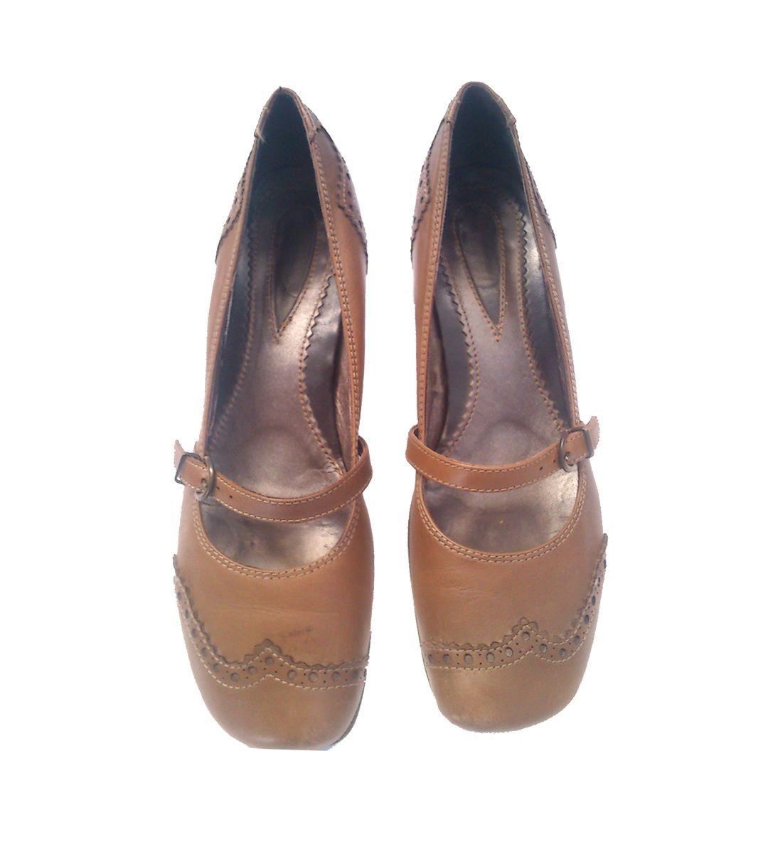 Zapatos marrones tacón bajo  40.00€