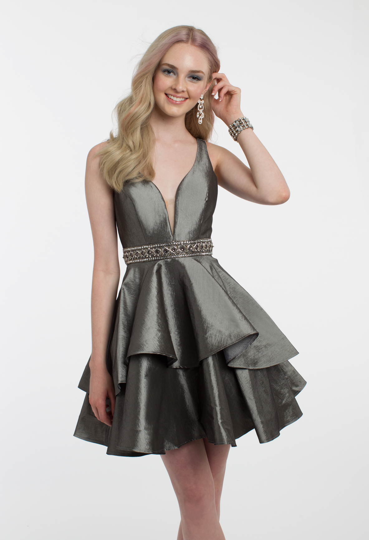 Your evening will never be boring in this short cocktail dress the