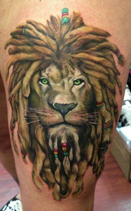 Mon top 5 des tattoos rasta tatoocompris pinterest - Tatouage lion epaule ...