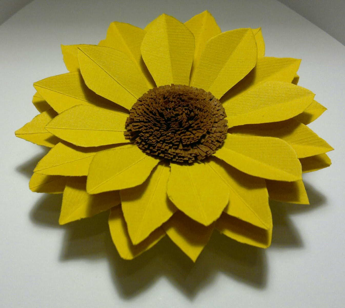 DIY Sunflower tutorial paper/cardboard | Sunflower | Pinterest ...