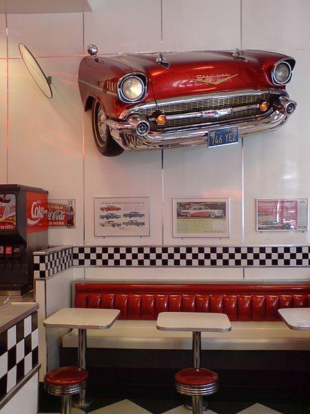 Burger King, Pseudo 1950s American Diner | Rock\'n roll | Küche 50er ...
