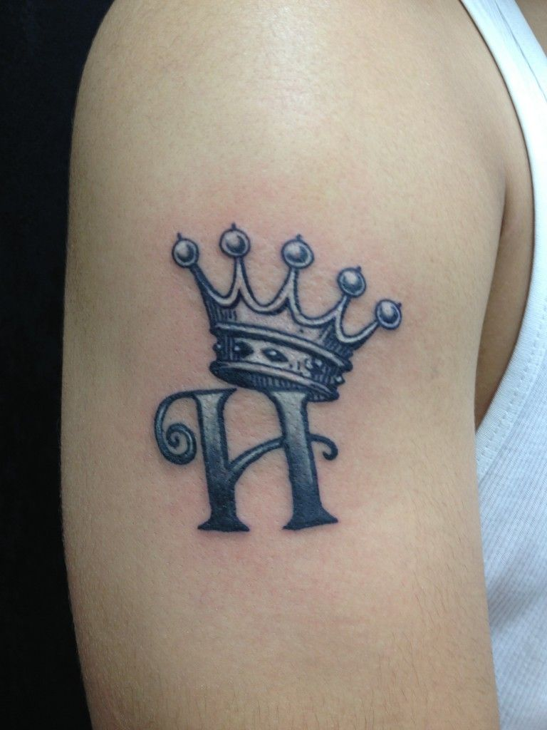 Tattoo Designs Letter A - Crowned prince design