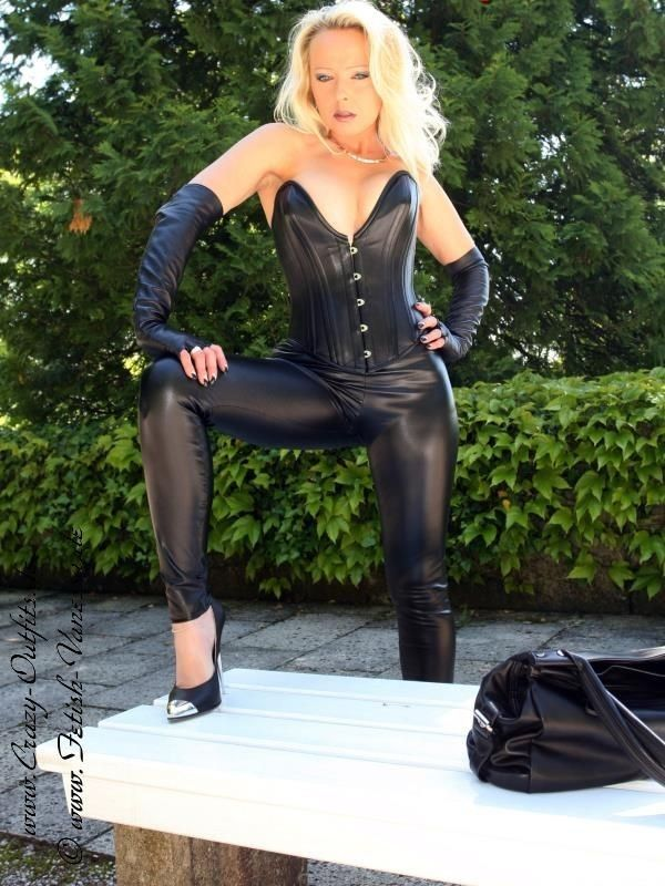 German latex porno