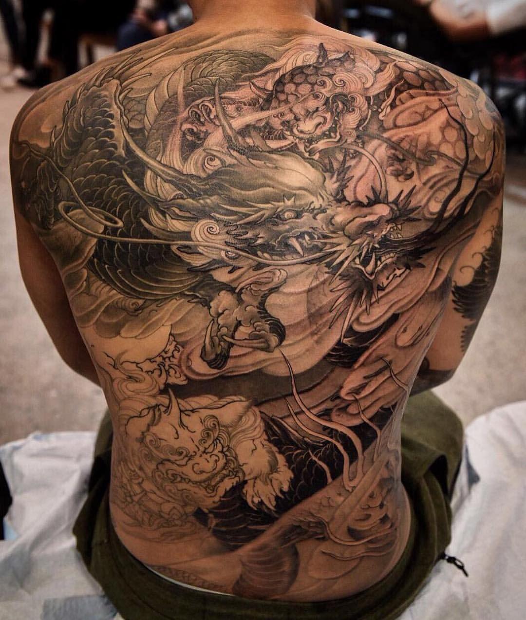 Dragon And Foo Dog Back Piece In Progress By Tristen Chronicink Create Hinh Xăm Rồng Hinh Xăm Y Tưởng Hinh Xăm
