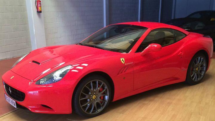 Ferrari California Red Leather Rent Ferrari California Convertible Cabrio Interior Design Leather Ferrari California Sports Cars Luxury Ferrari