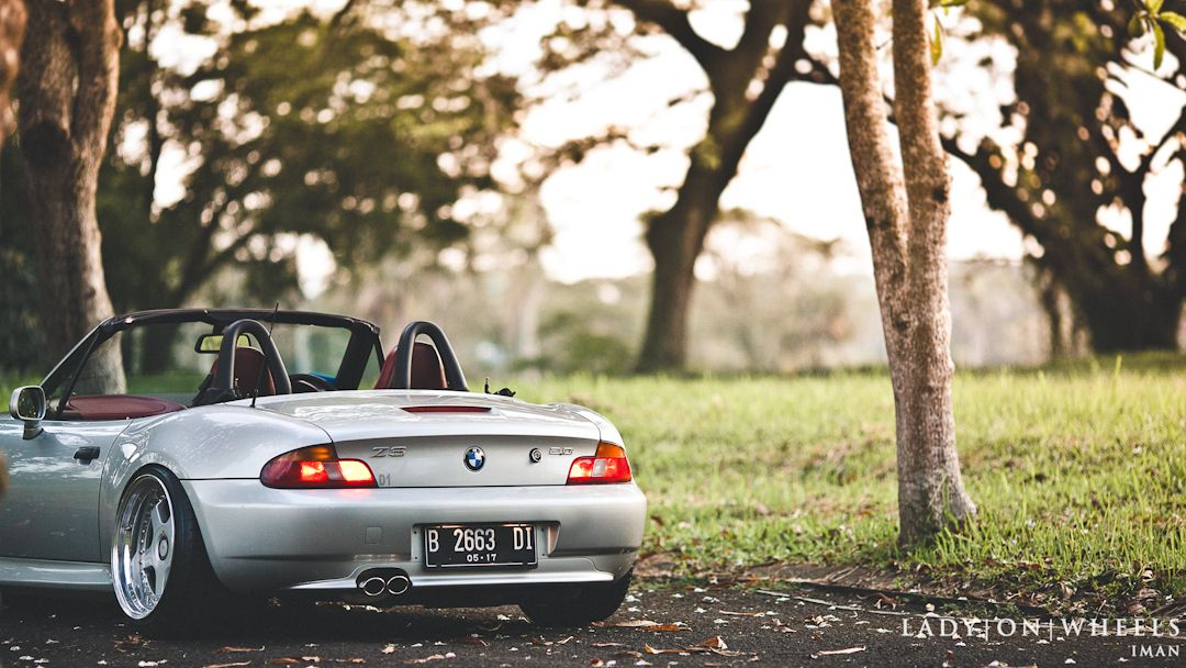When Love Cultivates Just Do All Things Diwan S Bmw Z3 Lady On Wheels Indonesian Stance Amp Hellaflush Car Photography Bmw Z3 Bmw Car Photography