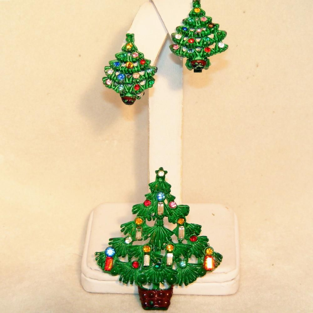 Rare Enameled Rhinestone Christmas Tree Vintage Pin & Earrings Set.  Excellent Condition, Baguettes for Candles, Clip Back Earrings