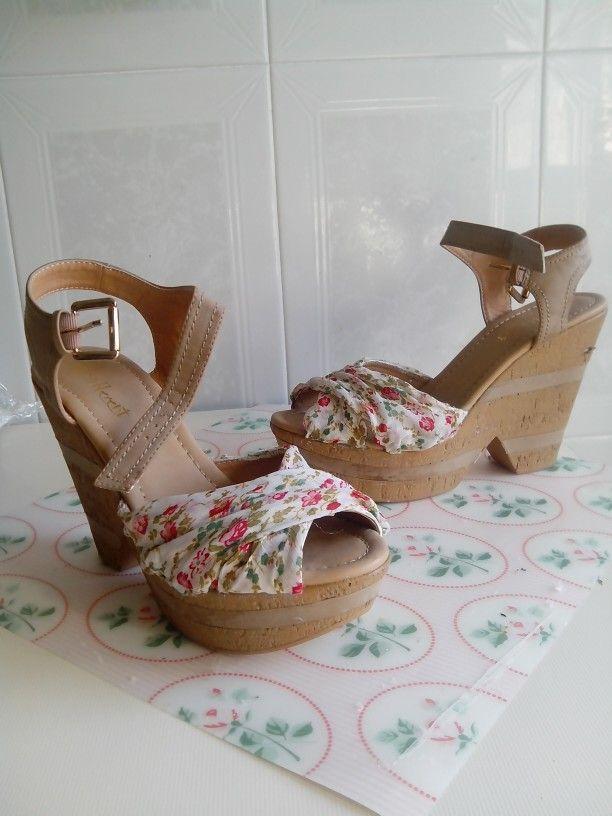 Sandalia vieja forrada de tela y parecen nuevas