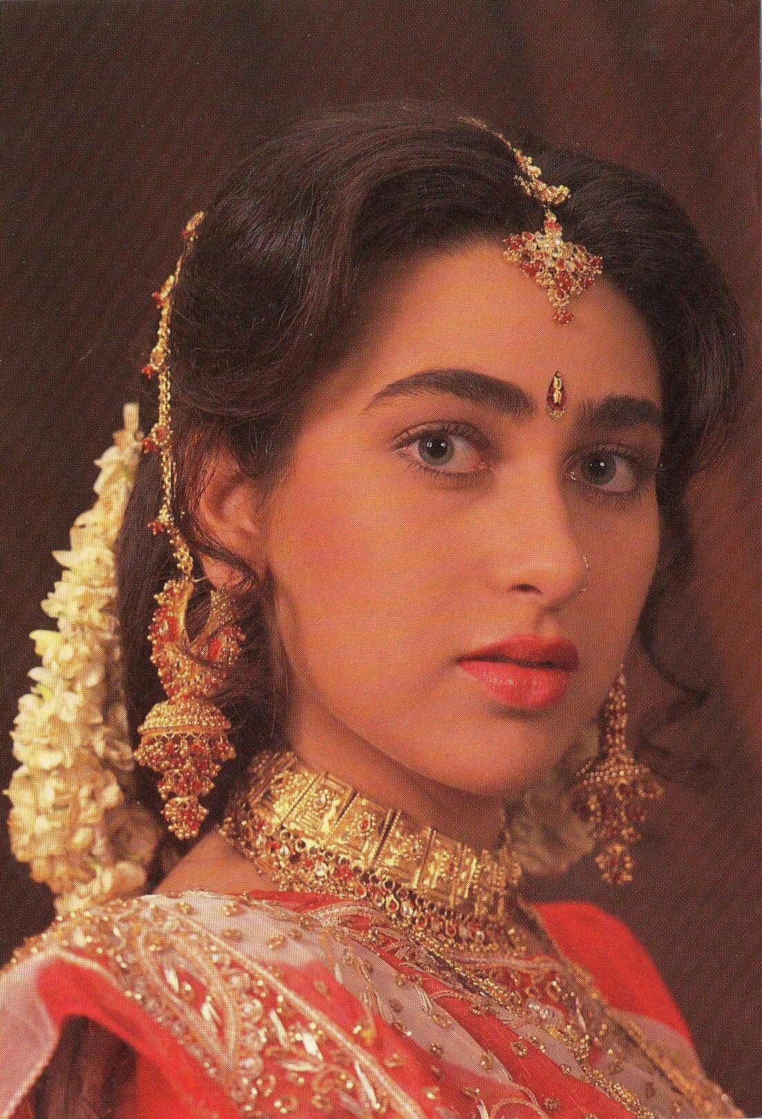 Karisma kapoor bollywood makeup beautiful girl indian