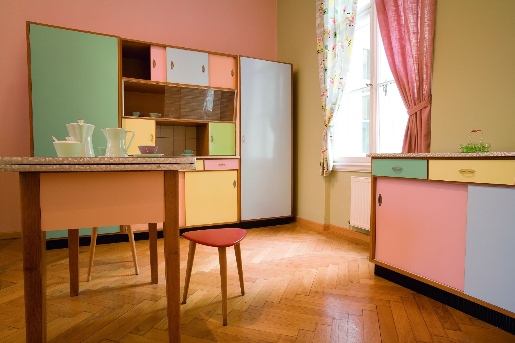 esskultur 50er jahre Österreich hofimmobiliendepot ausstellung ... - Pastell Küche