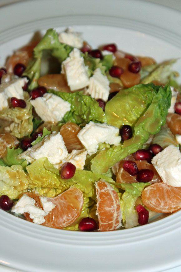 Salat mit Mandarinen, Granatapfel und Feta