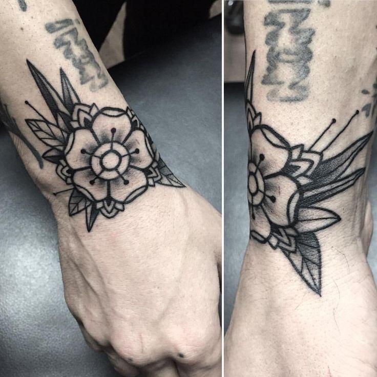 old school flower tattoomiss sita done at one o nine