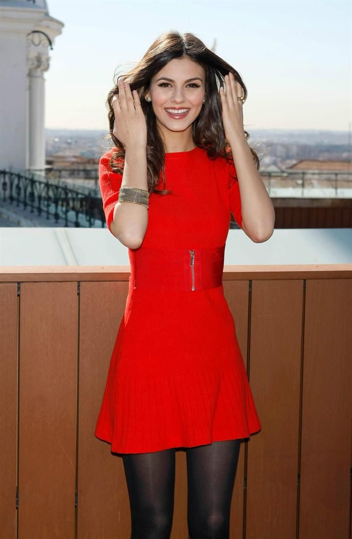 the sexiest red dress looks from our favorite stars – glam