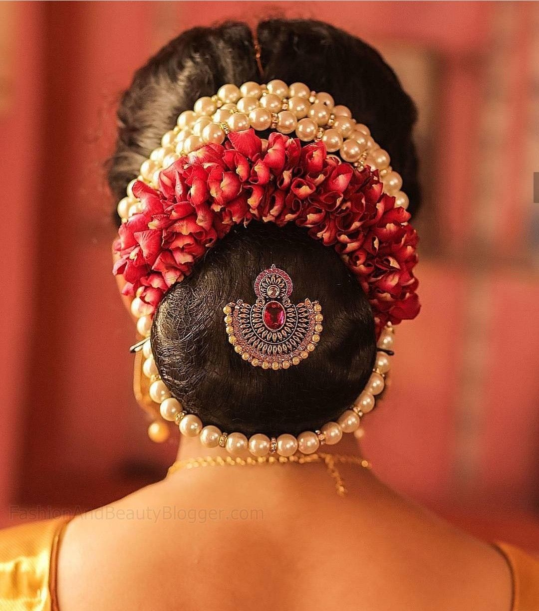 Indian Wedding Bun Hairstyle Pictures For To Be Brides Fabb Wedding Bun Hairstyles Indian Bride Hairstyle Bridal Hair Buns