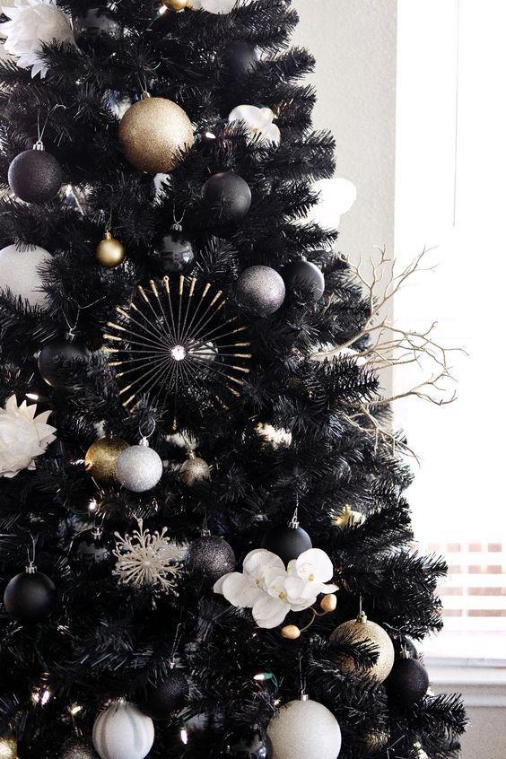 35 Black Christmas Tree Ideas Coz Everything Else Is Just Background Noise Hike N Dip Black Christmas Trees Black Christmas Tree Decorations Black Xmas Tree