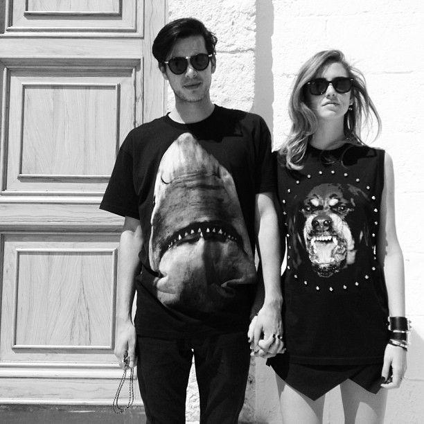 Love Is Wearing Matching Designer Tees Chiara Ferragni And Boyfriend Andrew Arthur In Matching Givenchy Tees Chiara Ferragni Fashion Couple Fashion