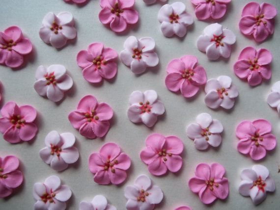 1 Dozen Royal Icing Cherry Blossoms 3 4 Inch Sugar Flowers Etsy Royal Icing Flowers Edible Cake Decorations Cherry Blossom Cake