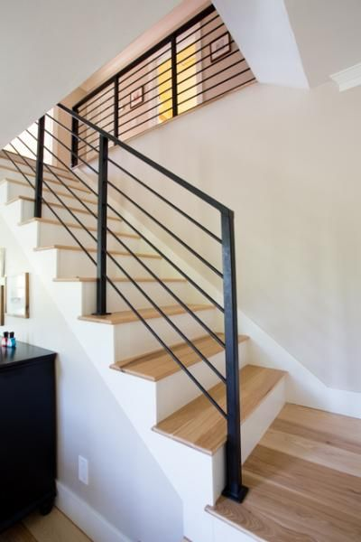 Merveilleux NEW STAIRS WITH REMOVABLE RAILINGS AND WOOD FLOORING