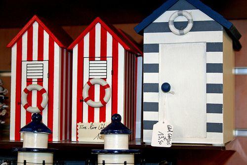 photos cabine mer en tirelire ou bo te secret de la boutique ambiance marine boutique objets. Black Bedroom Furniture Sets. Home Design Ideas