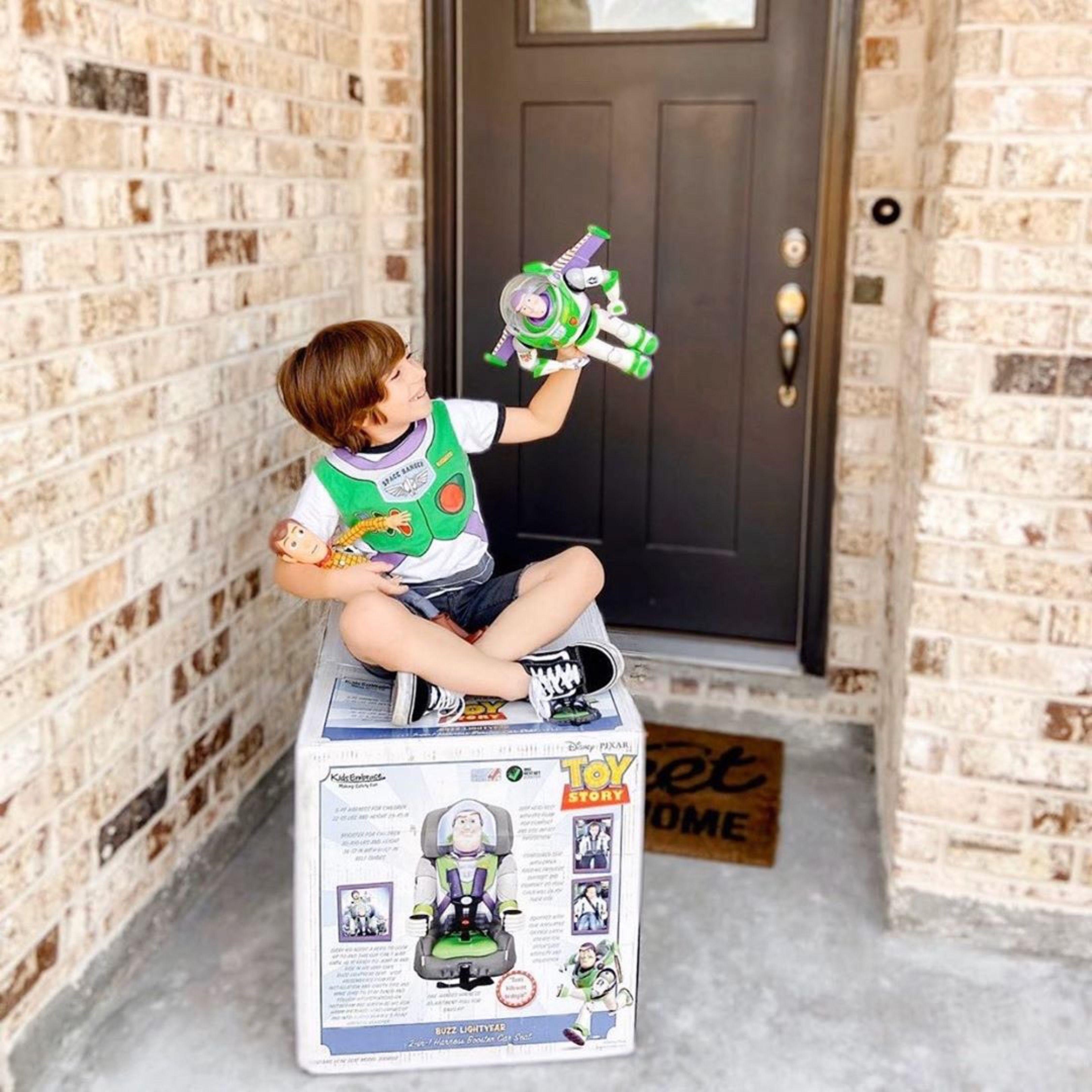 Buzz lightyear kidsembrace car seat in 2020 lightyears