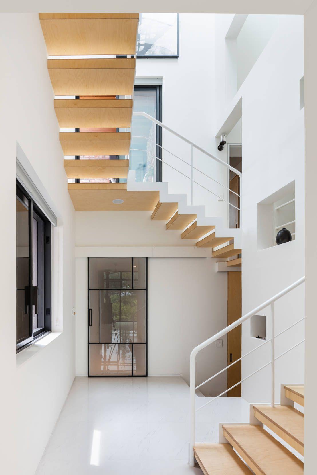 Futuristisch Bakstenen Huis Met Strak Interieur. Design LabMinimalist ...