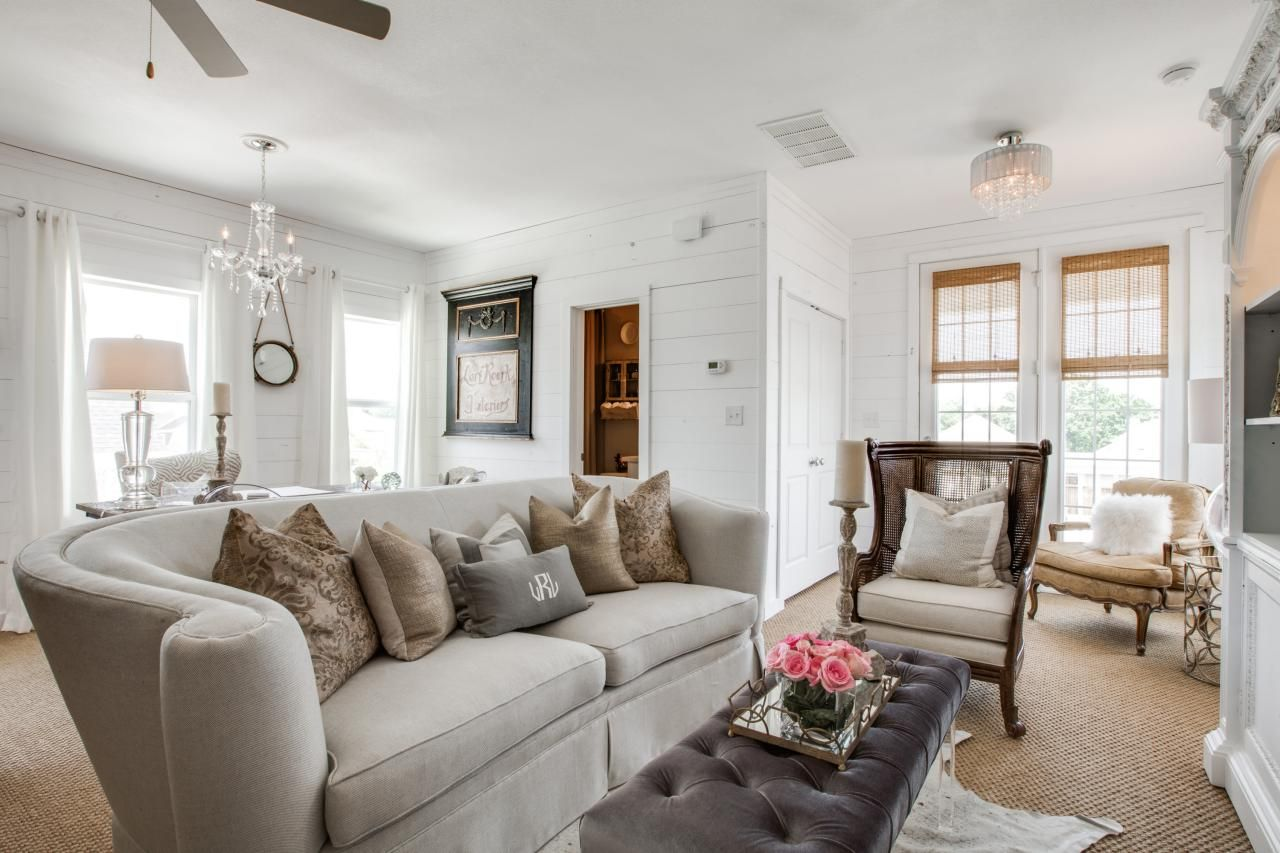 Small Spaces That Live Large | Coastal living rooms, Dark ...