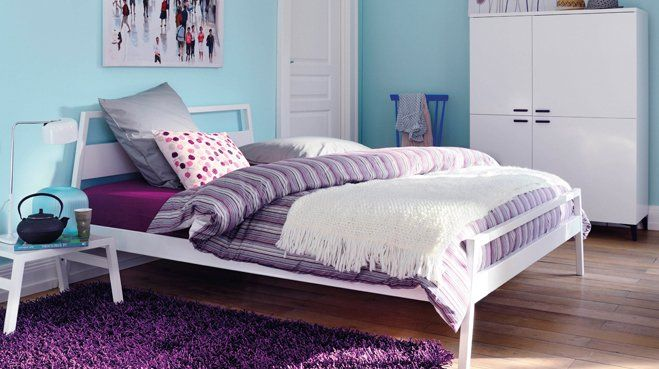la chambre des jeunes filles s habille de violet chambre d 39 ados d co ect pinterest tapis. Black Bedroom Furniture Sets. Home Design Ideas