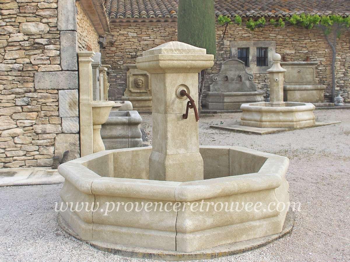 Fontaine centrale en pierre La Rustique 200 fonc-R-200 | Fontaines ...