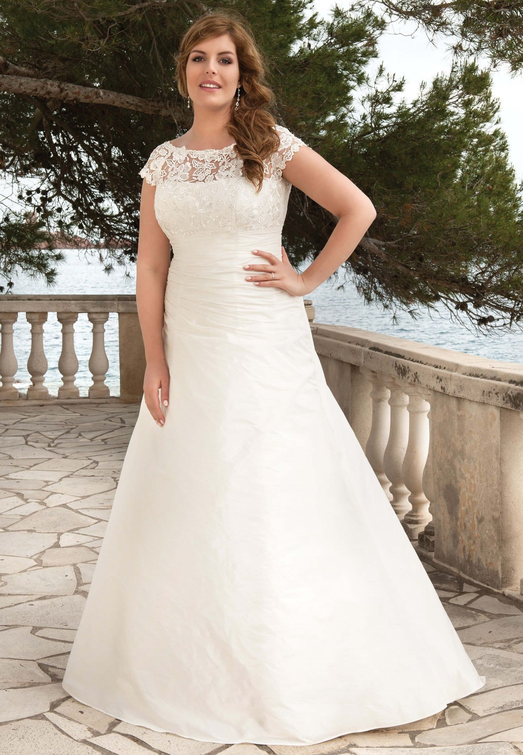 Wedding Dress Trouwjurk Bruidsjurk Plus Size Wedding Curves Bruiloft ...