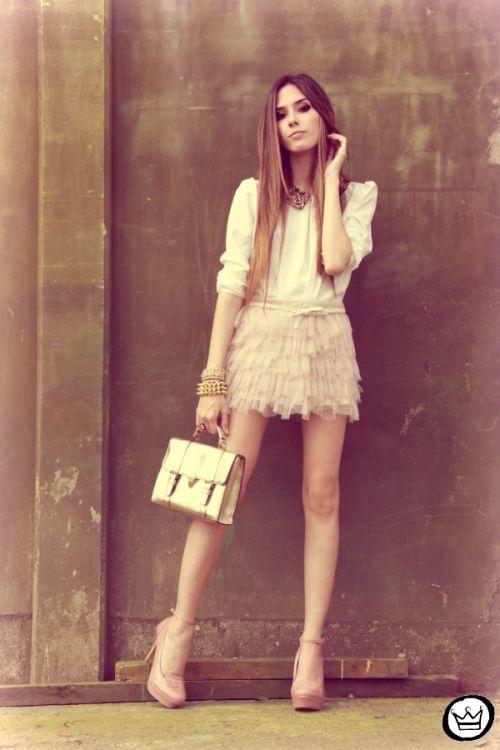 everybody must love this skirt