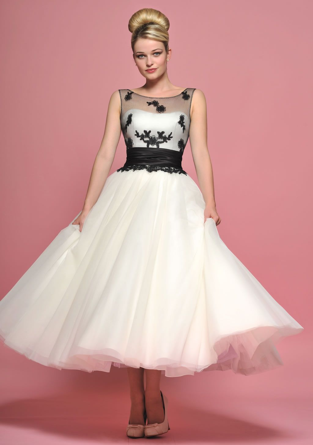 Rockabilly wedding dresses  Source yagt  Dresses  Pinterest  Gowns Frocks and Fashion boards