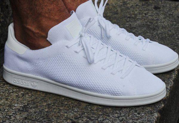 Découvrez la Adidas Stan Smith Primeknit Triple White, une basket pour  homme et en femme en maille tissée blanche (automne