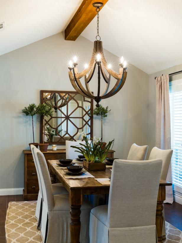 Hgtv Fixer Upper S Chip And Joanna Gaines Create A Dining Room That Is Elegant With Rustic