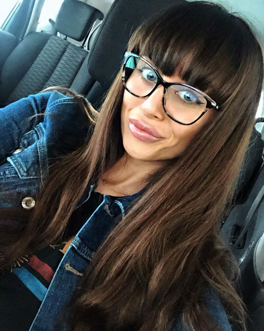 Brejloun Czechgirl Czech Girl Brunette Smile Glasses