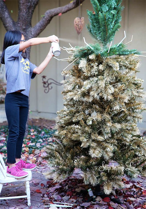 How to spray paint your christmas tree gold (or any other
