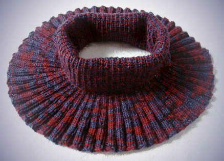 Ravelry: Ambitus neckwarmer pattern by Lankakomero