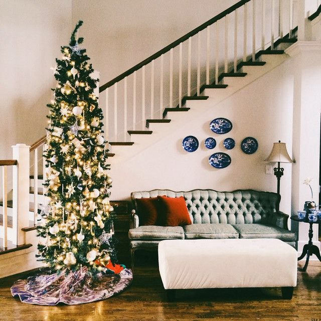 4 Seriously Beautiful Ways To Decorate Your Christmas Tree This Year