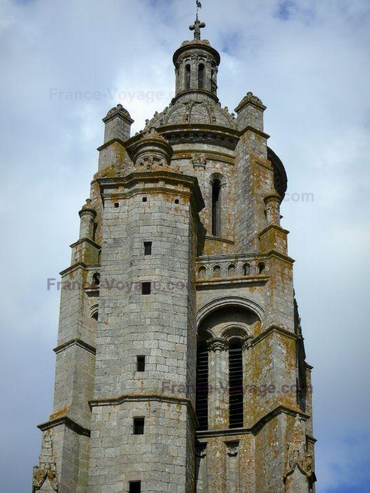 Bressuire, France. Bressuire : Tour-clocher de l'église Notre-Dame