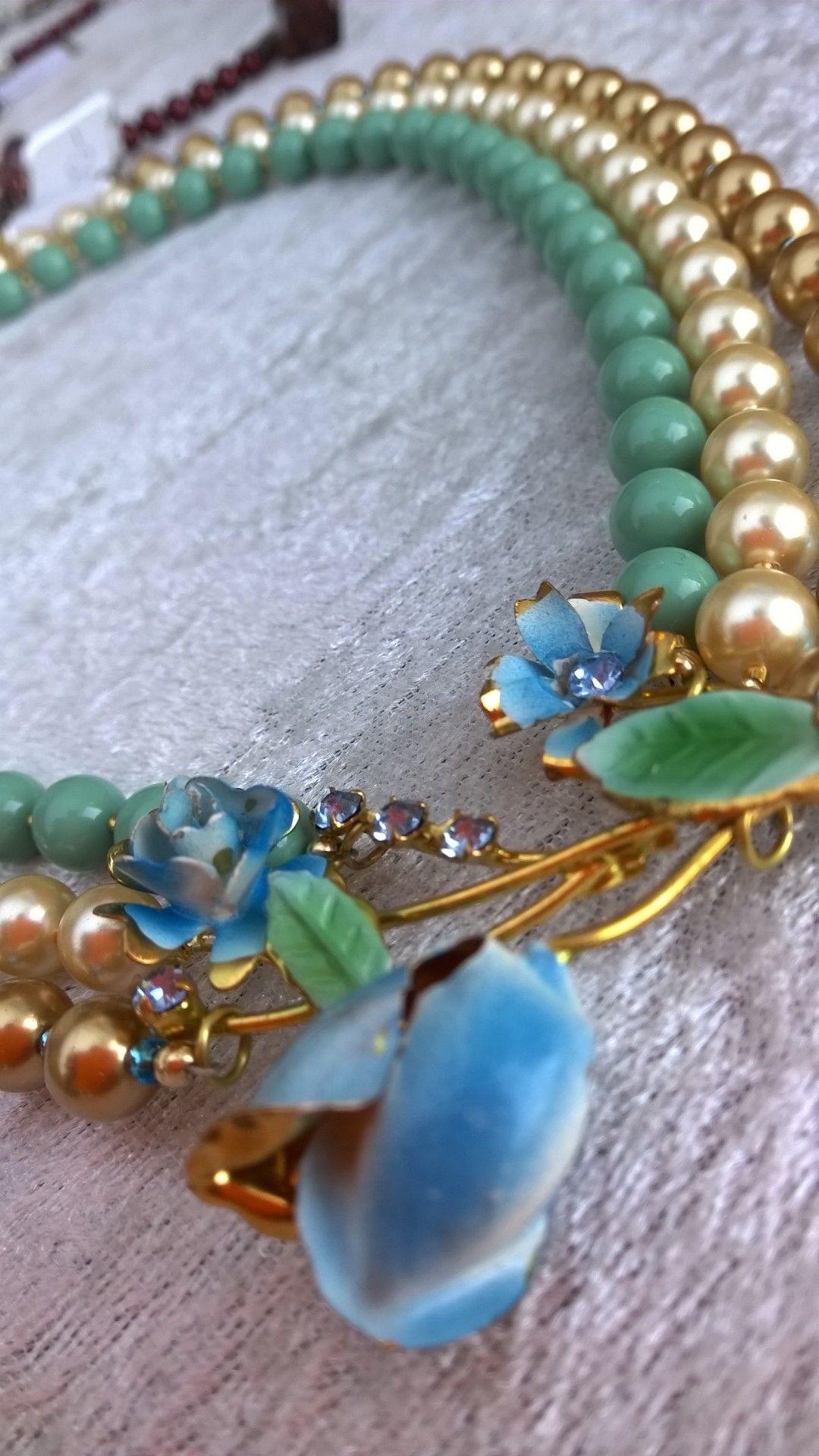 1950 vintage brooch, Swarovski crystal pearls.