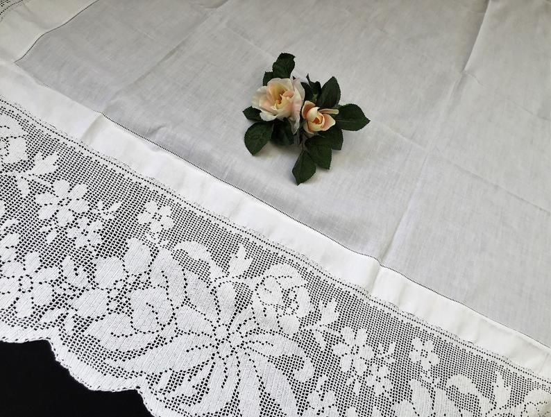 Large Antique Irish Lace And Linen Tablecloth With Ajour Embroidered And Deep Floral Filet Crochet Edging El0347 Irische Spitze Viktorianisches Muster Decke