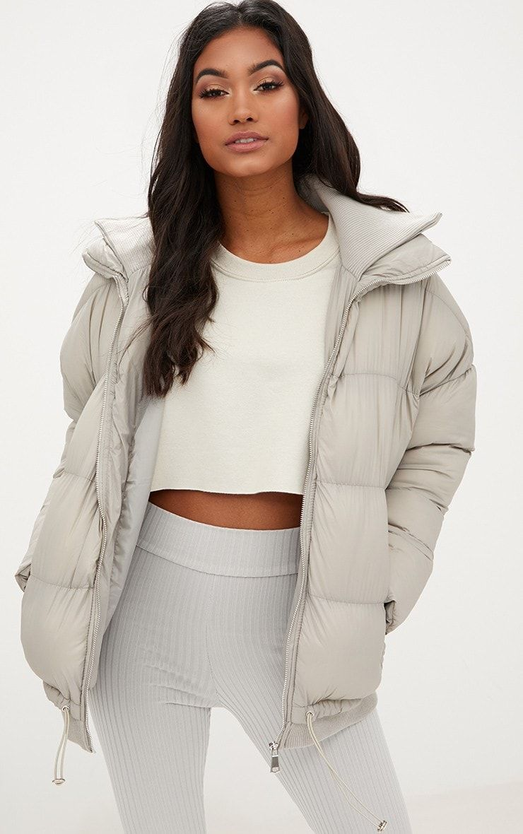 Taupe Oversized Puffer Jacket With Zip Pockets Prettylittlething Oversized Puffer Jacket Jackets Puffer Jackets [ 1180 x 740 Pixel ]