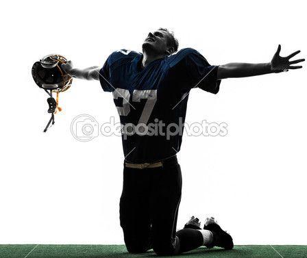 Silueta de hombre triunfante del fútbol americano jugador — Imagen de stock #30742033