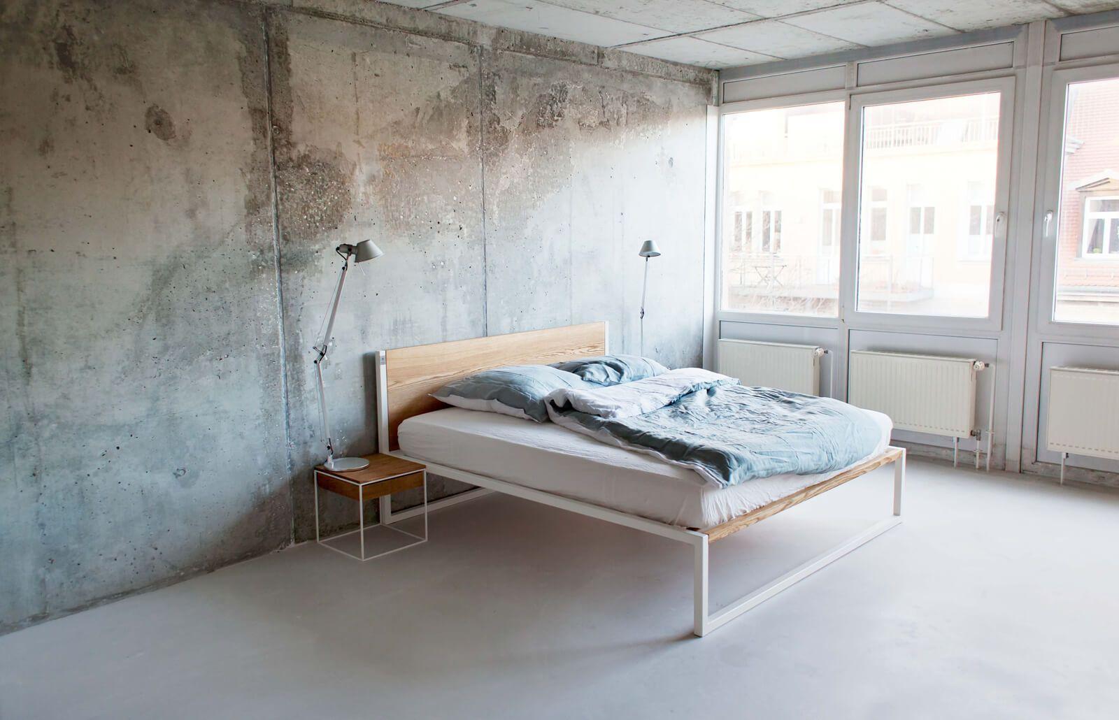 B18 Esche Designerbett Aus Massivholz Und Stahl N51e12 Design Manufacture Designer Bett Design Beistelltisch Hausmobel