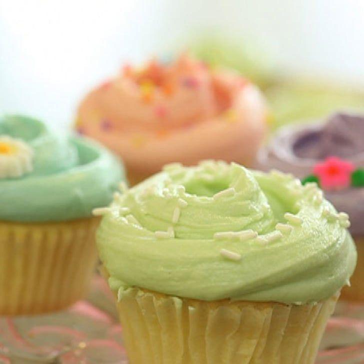 Vanille-kleine Kuchen der Magnolien-Bäckerei #magnoliatarifleri