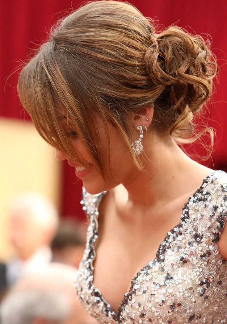 Casual Updos for Homecoming: Our Top List: Miley Cyrus ...