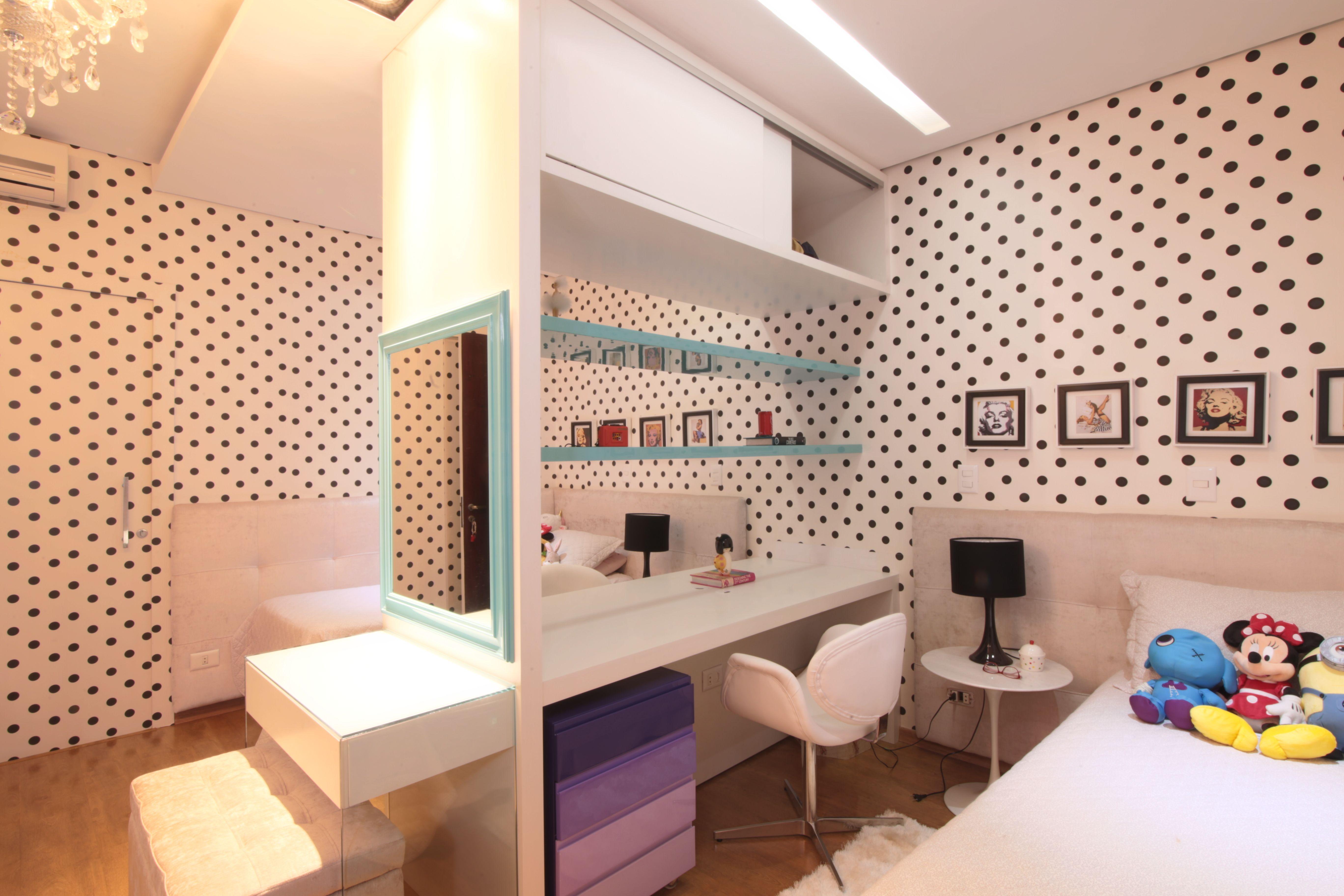 Pinups teen's Room