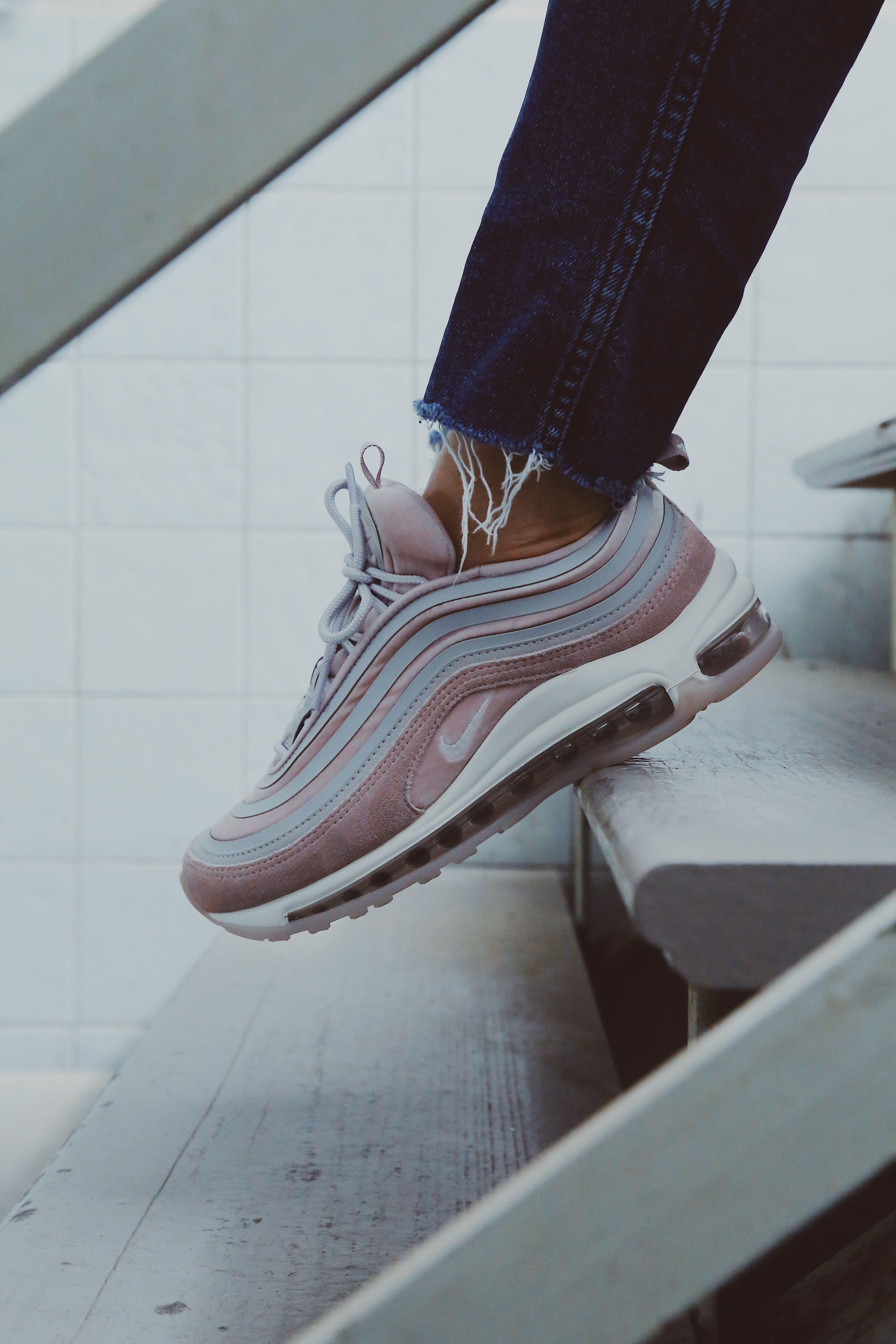 b0a96ed7a ... Zapatos Mayka. 💥💘THIS IS LOVE💘💥 Encuentra estás preciosas Nike Air  Max 97 en nuestras