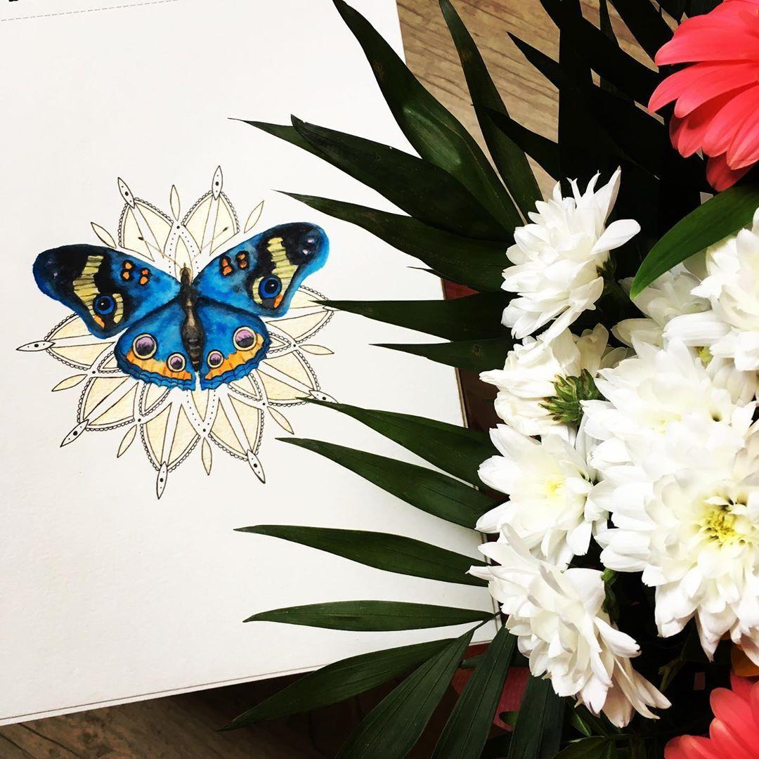 """✨Stéphanie✨ on Instagram: """"🦋Papillon bleu posé sur une fleur tout droit sortie de mon imagination..!!😅💙 #papillon #butterfly #aquarelle #aquarela #aquarellepainting…"""""""
