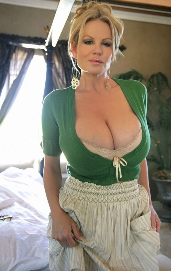 Mature milf hot body